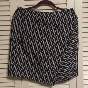 Ann Taylor LOFT Skirt, Navy and White, size 6